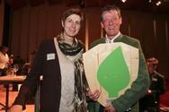 Umweltlandesrätin und LH-Stellvertreterin Astrid Rössler mit Hotel Gutjahr-Eigentümer Markus Gutjahr