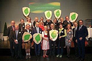 Gruppenfoto alle Ausgezeichneten der umwelt service salzburg gala 2016_co umwelt service salzburg/Neumayr