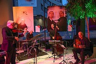 Die Django Partie begleitete die Gäste der umwelt service salzburg gala 2016 musikalisch © umwelt service salzburg/Neumayr