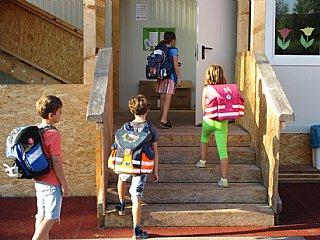 Schüler freuen sich auf energieeffiziente Volksschule in Hallwang
