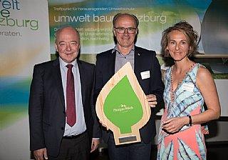 Abfall&Ressourcen: Pinzgau Milch (vlnr) Präsident K. Steindl (WKS), H. Steiner (GF), S. Wolfsgruber