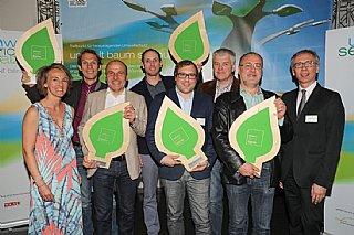 Umwelt: Sbg. Tischler Küche  (vlnr) S. Wolfsgruber, alle Tischler des Kooperationsprojektes, A. Tschulik (BMLFUW)