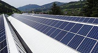 Die PV-Anlage liefert 430.000 Kilowatt-Stunden Strom pro Jahr.
