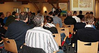 Einkaufsleiter Thomas Reuter diskutierte mit den Gästen über nachhaltiges und umweltfreundliches Wirtschaften © umwelt service salzburg