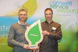 Bernd Tritscher (li) hat Markus Gensbichler bei der Umsetzung seiner Maßnahmen beraten. © uss_Neumayr