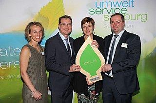 Bernhard Zwielehner (li) und Markus Schmidt (Steiner Haustechnik) freuen sich über die Auszeichnung © uss_Neumayr