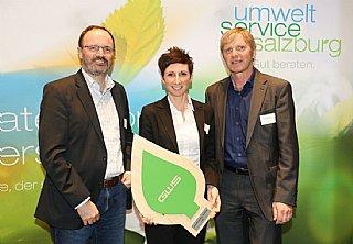 Die Auszeichnung für die GWS nahmen GF Astrid Lamprechter und Günter Füreder (li) freudig entgegen  © uss_Neumayr