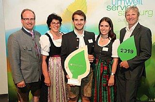 v.li. Werner, Sabine, Sebastian und Anna Hörl mit ihrem Berater Erwin Bernsteiner © uss_Neumayr