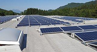 500 kWpeak PV-Anlage der G. S. Altotec GmbH in Koppl © umwelt service salzburg