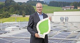 """Global President Dietmar Tanzer: """"Aktives Engagement für Umwelt-,Arten- u Klimaschutz ist bei Sony fester Bestandteil unserer Werte."""" © Neumayr/Leopold"""