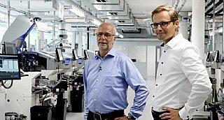 Für Richard Auer (li) & Johannes Hainzl von DE sind ökologisches und ethisches Handeln gelebte Praxis und zukunftsorientierte Unternehmensphilosophie.
